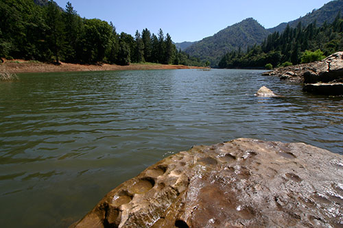 2_puberty-rock-at-shasta-lake